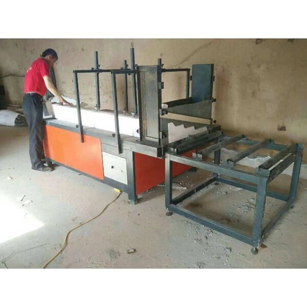 Linear foam moulding coating machine